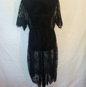 Bkack lace dress/cover-up no slip size l/xl